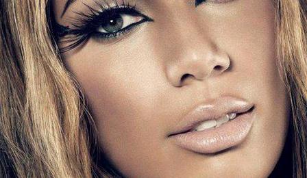 Leona Lewis Sets UK Chart Record With Christmas Single