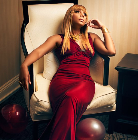 tamar braxton she is diva that grape juice 2013 Watch: Tamar Braxton Performs Silent Night On The Queen Latifah Show