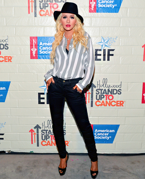 Screen shot 2014 01 30 at 5.32.48 AM Hot Shot:  Christina Aguilera Shows Off Slim Figure At Stand Up To Cancer