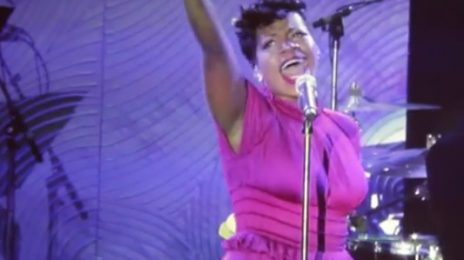 Must See: Fantasia Rocks Clive Davis Grammy Party With 'Stormy Weather'