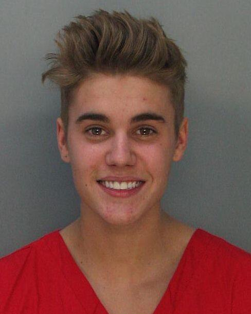 Justin Bieber Mug Shot Revealed / Singer Smiling
