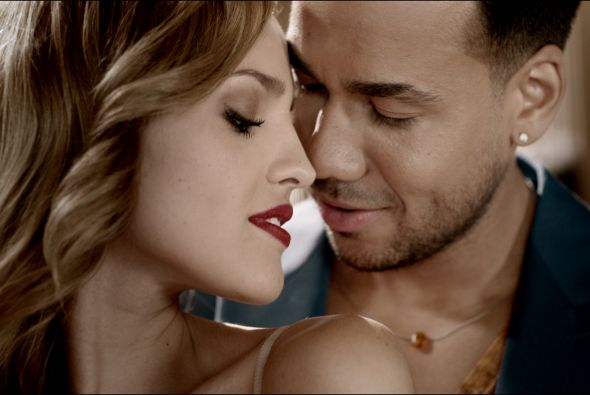 romeo santos that grape juice she is diva New Song: Romeo Santos   Odio (Ft Drake)