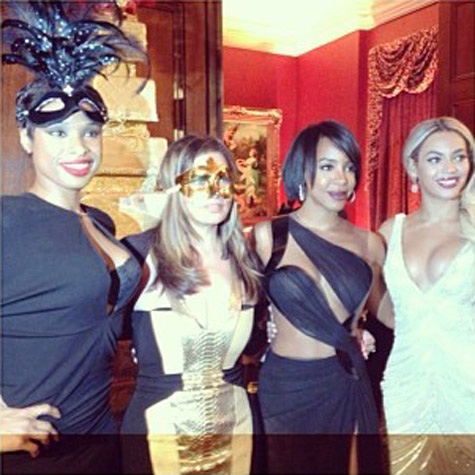 tina knowles masquerade ball 7 Hot Shots:  Beyonce & Jennifer Hudson Reunite For Tina Knowles Birthday Bash