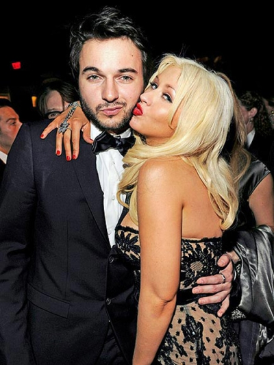 Christina Aguilera Announces Engagement