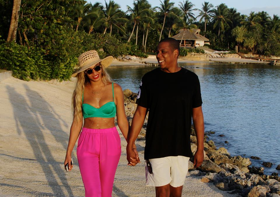 beyonce jay z 2014 2 Hot Shots: Beyonce, Jay Z, & Blue Ivy Vacation In The Dominican Republic