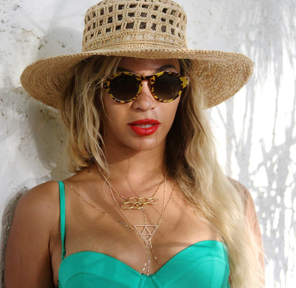 beyonce jay z 2014 3 Hot Shots: Beyonce, Jay Z, & Blue Ivy Vacation In The Dominican Republic