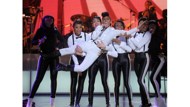 janelle bet honors 2014 3 Hot Shots: Mariah Carey, Tamar Braxton, & More Rock 2014 BET Honors