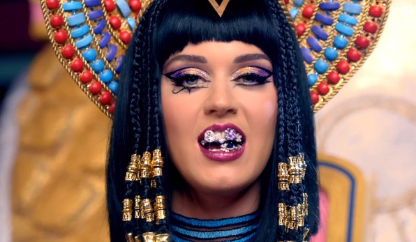 katy perry dark horse video Sneak Peek: Katy Perry   Dark Horse Video
