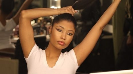Hot Shots: Nicki Minaj Flaunts Real Hair