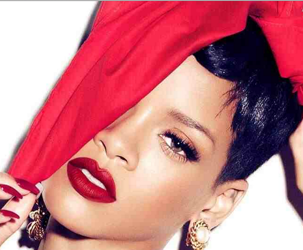 she is diva rihanna that grape juice 2013 1 Rihanna Offers Funds For Funeral Of Deceased Fan