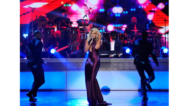 tamar bet honors 2014 2 Hot Shots: Mariah Carey, Tamar Braxton, & More Rock 2014 BET Honors