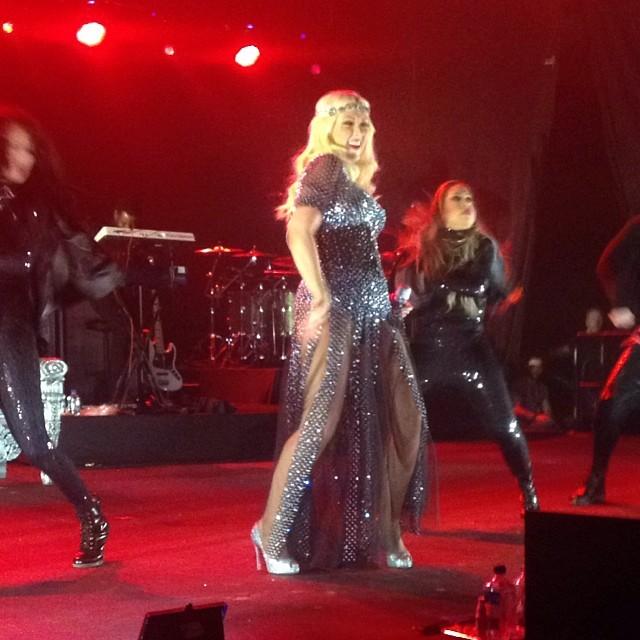 christina aguilera pregnant 2 Hot Shots: Christina Aguilera Rocks Malaysia Pregnant