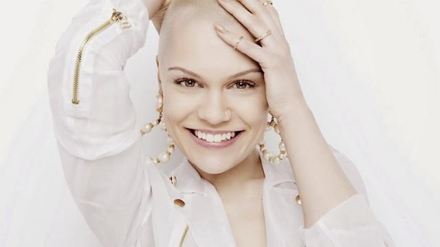 jessie j that grape juice she is diva 2013 New Video: DJ Cassidy   Calling All Hearts (Ft Robin Thicke & Jessie J)