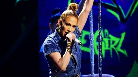 Watch:  Jennifer Lopez Wows 'American Idol' With 'I Luh Ya Papi' Live