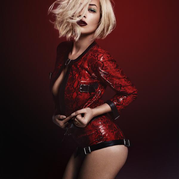 rita ora that grape juice television 3 Behind The Scenes: Rita Ora   I Will Never Let You Down Video