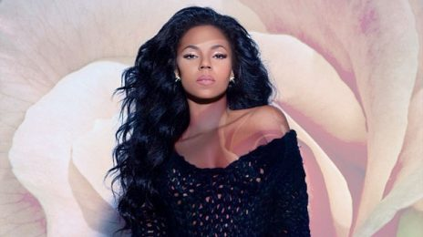 Watch: Ashanti Performs 'I Got It' Live On 'The Queen Latifah Show'