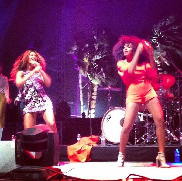 beyonce solange coachella Watch: Beyonce Dances Up A Storm With Solange On Stage At Coachella