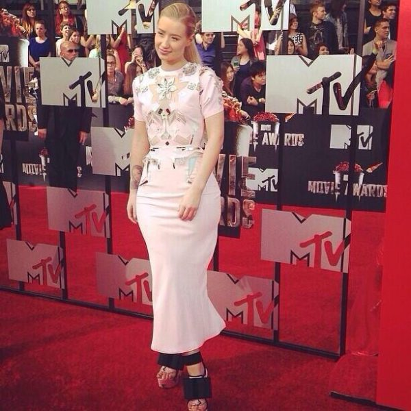 iggy azalea 12 600x600 Red Carpet: MTV Movie Awards 2014