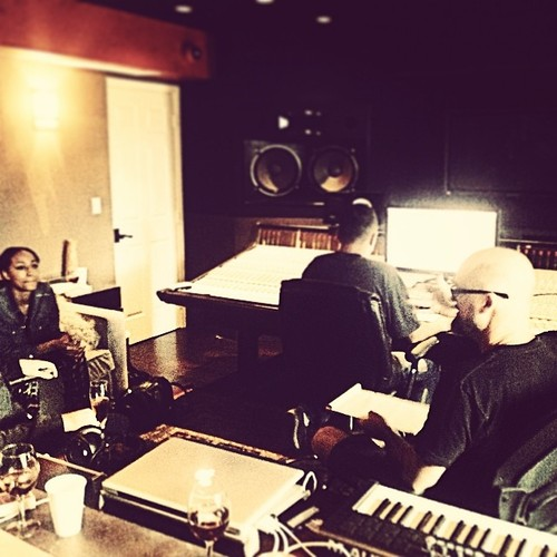 keri hilson new music 2014 2 Hot Shots: Keri Hilson Hits Studio With Motivation Duo For New Album