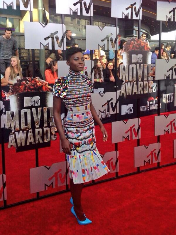 lupita 11 Red Carpet: MTV Movie Awards 2014