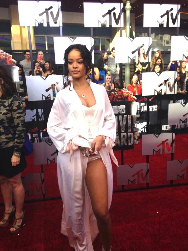 ri4 600x800 Red Carpet: MTV Movie Awards 2014