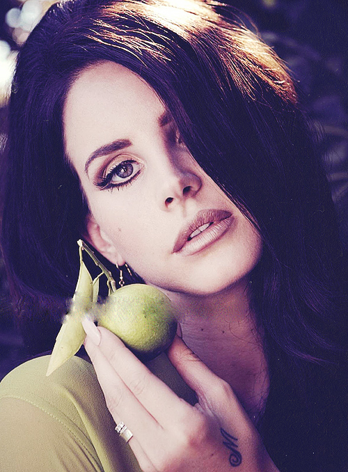 Lana-Del-Rey-That-Grape-Juice-Entertainment-13
