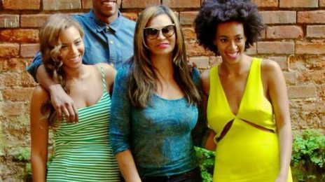 Hot Shot: Beyonce, Jay Z, Solange, & Tina Knowles Are All Smiles In New Orleans