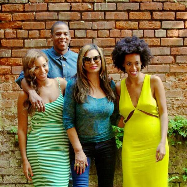beyonce jay z solange tina knowles Hot Shot: Beyonce, Jay Z, Solange, & Tina Knowles Are All Smiles In New Orleans