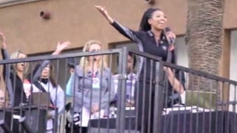 Watch: Brandy Rocks Revlon Run/Walk For Women) With US National Anthem