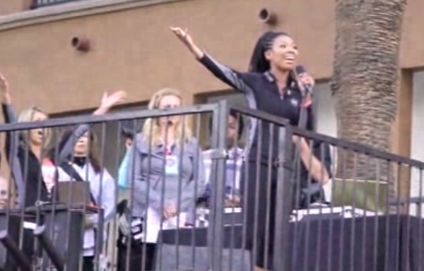 brandy revlon Watch: Brandy Rocks Revlon Run/Walk For Women) With US National Anthem