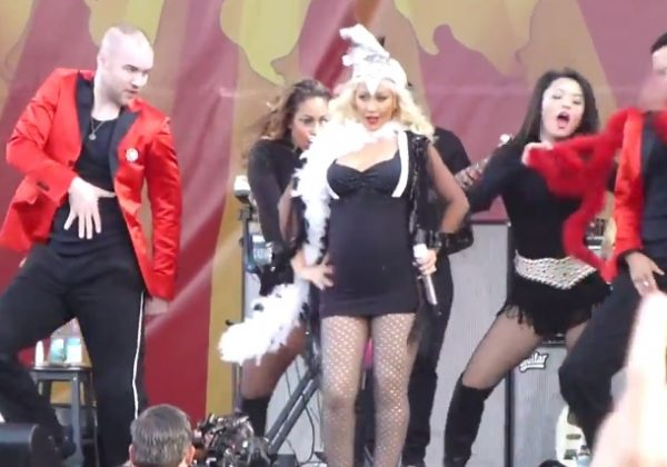 christina aguilera jazz festival 600x420 Watch: Pregnant Christina Aguilera Rocks New Orleans Jazz Festival 2014