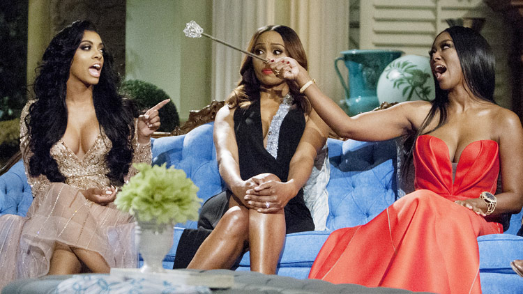 real housewives of atlanta reunion fight kenya moore porsha williams that grape juicejpg Porsha Williams & NeNe Leakes Hit The View / Kenya Moore Claps Back At Bullying Claims