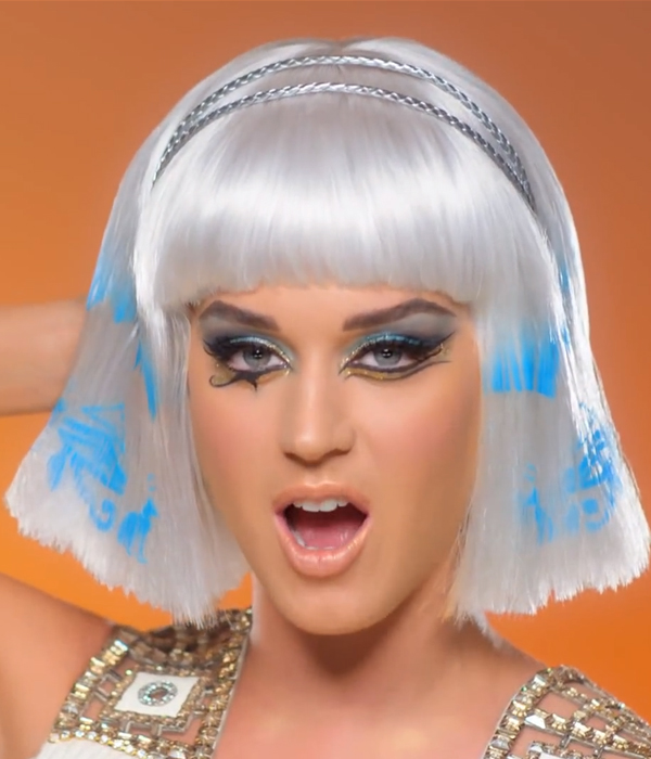 Katy Perry Dark Horse beauty look 1 Katy Perry Manager Slams Selena Gomez Firing Report