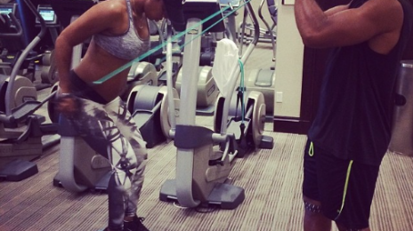 Hot Shots: Pregnant Kelly Rowland Hits Gym