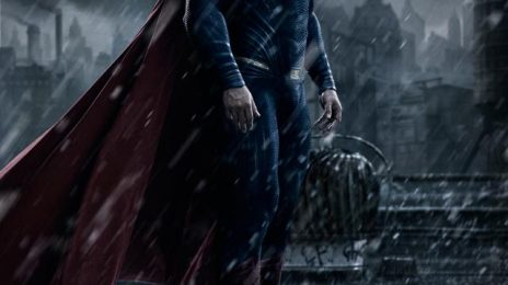 First Look: Henry Cavil Returns As 'Superman'