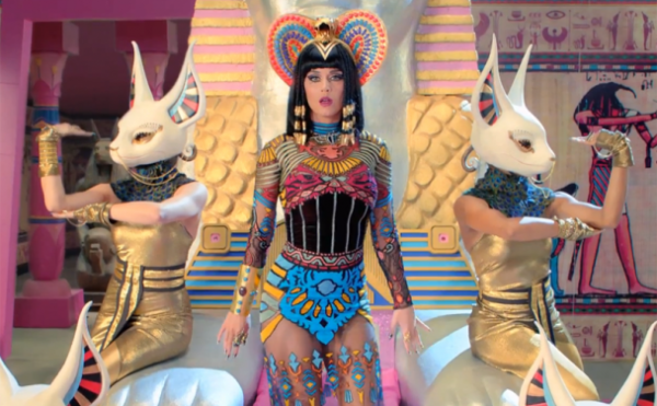 katy perry that grape juice dark horse 600x371 Katy Perry Sued For Stealing Christian Rap Song Idea For Dark Horse