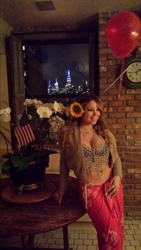 mariah carey 4th 576x1024 Hot Shots: Mariah Carey Flaunts New Svelte Physique On July 4th