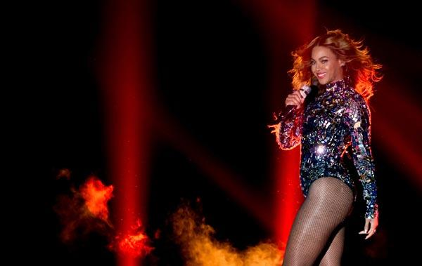 beyonce perfomance Celebrities React To Beyonce MTV VMA Performance