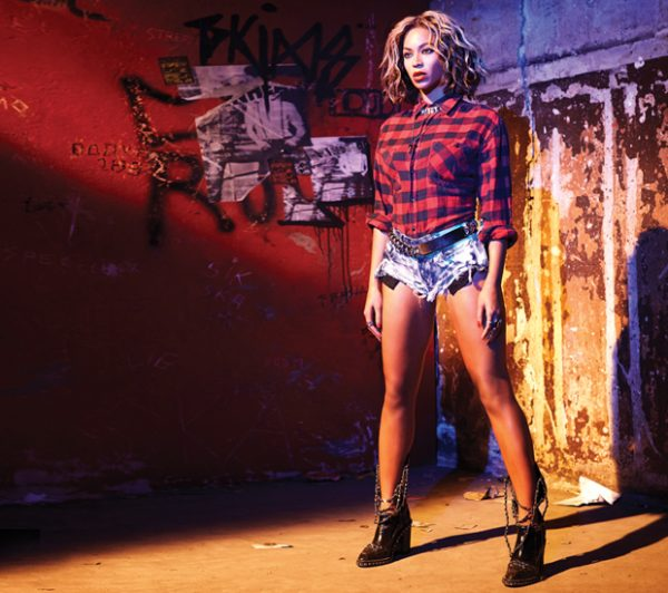 beyonce sales vma thatgrapejuice 600x532 Beyonce Album Blasts Into iTunes Top 10 Following Epic VMA Performance