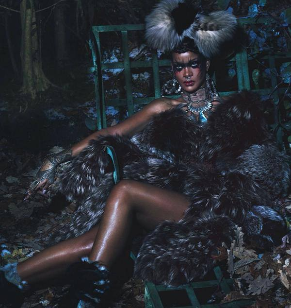 riri2345 Rihanna Wows In W Magazine With Naomi Campbell & Iman