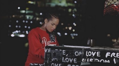 Alicia Keys Previews New Song 'I Am Here'
