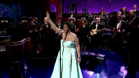 Aretha Franklin Performs Adele's 'Rolling In The Deep' On 'Letterman' / Whitney Houston's Mom Sings Back-Up