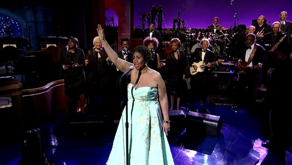 aretha franklin rolling in the deep Aretha Franklin Performs Adeles Rolling In The Deep On Letterman / Whitney Houstons Mom Sings Back Up