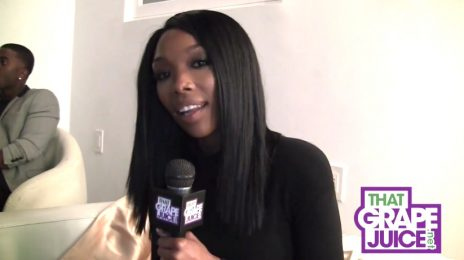 "Exclusive: Brandy Talks New Album / Says ""I'm Singing These Songs Like They're My Last"""