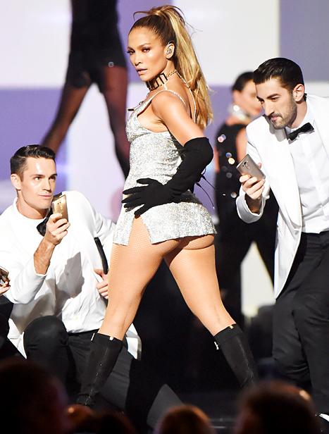 jennifer lopez 2014 fashion rocks thatgrapejuice Report: 2014 Fashion Rocks A Ratings Flop