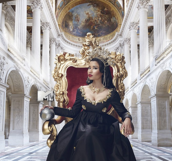 nicki minaj EMAS that grape juice 600x560 Nicki Minaj To Host The 2014 MTV Europe Music Awards