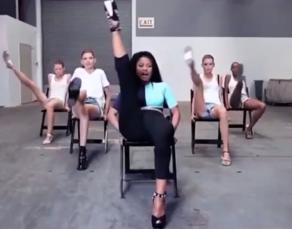 nicki minaj anaconda 2 thatgrapejuice Watch: Nicki Minaj Teams With Vogue To Teach Models Anaconda Choreography