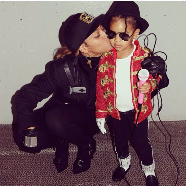 beyonce blue ivy thatgrapejuice 600x600 Hot Shot: Beyonce Dresses Blue Ivy As Michael Jackson For Halloween