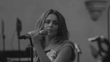 The One Octave Sessions: Cheryl Cole Performs 'Crazy Stupid Love' Acoustically
