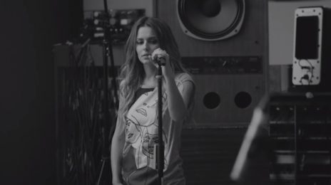 Self-Sabotage: Cheryl Cole Covers TLC & Beyonce With 'Unpretty / Pretty Hurts' Medley